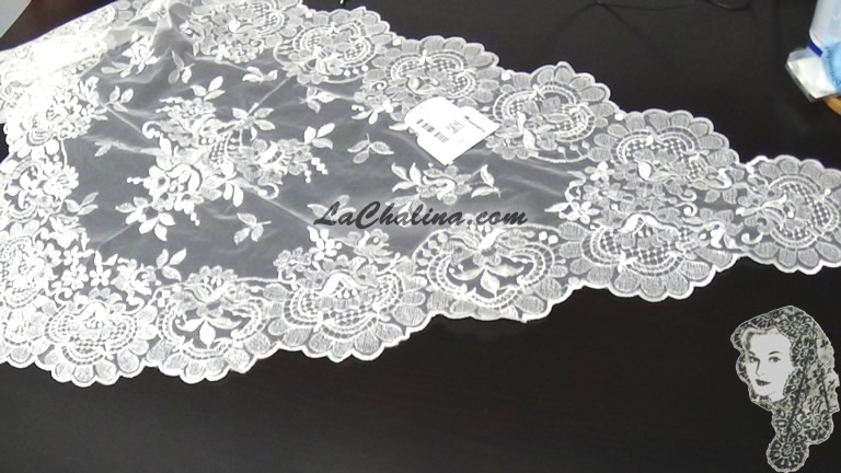 Chalina Italiana Modelo Flor de Liz Marfil 850