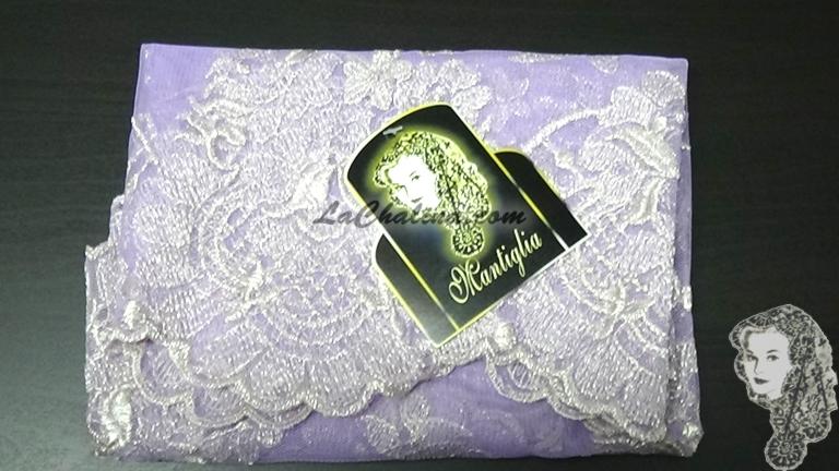 Chalina Italiana Modelo Flor de Liz Plata Metalico 902 Fondo Lila