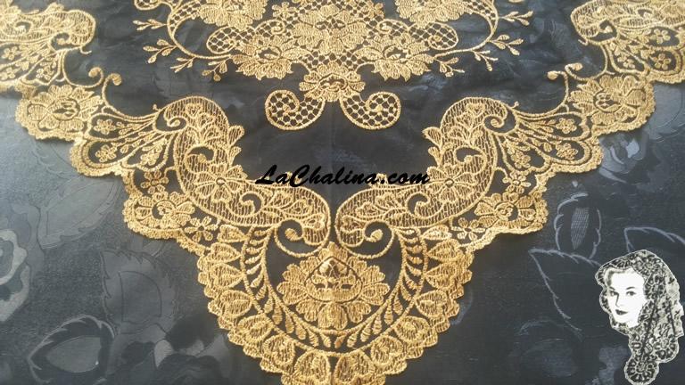 Chalina Italiana Modelo Malagueña Dorado Metalico 901 Fondo Negro
