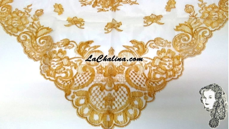 Chalina Española Modelo Espiral Dorado Metalico 901 Fondo Blanco