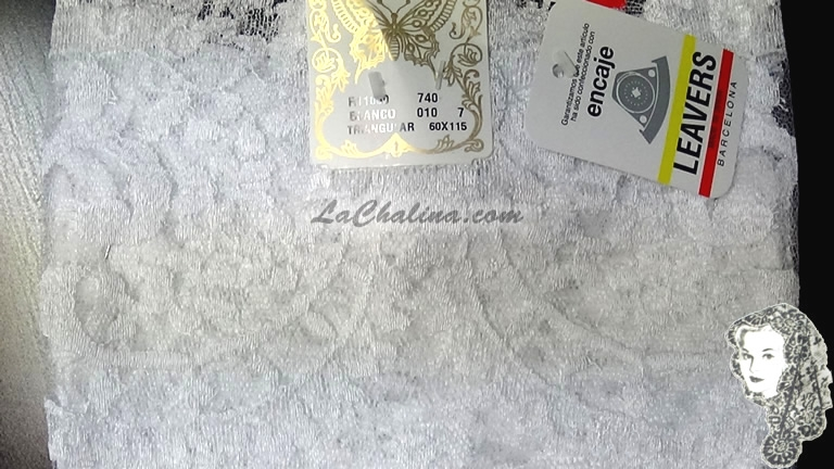 Chalina Española Modelo Medallon Blanco 010